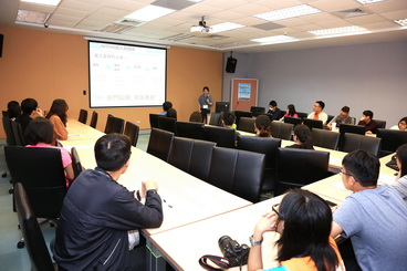 A corporate recruitment meeting was held as part of the event to introduce the students to the workplace and career path plans.