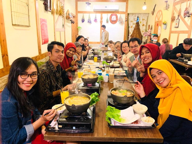 A small dinner party for overseas students organized by the Global Master Program of Teaching Profession
