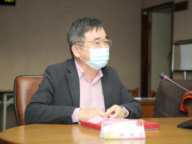 Lin Bin-Hong, who recently left the post as Chairman of the Department of Animal Science, made his remarks.