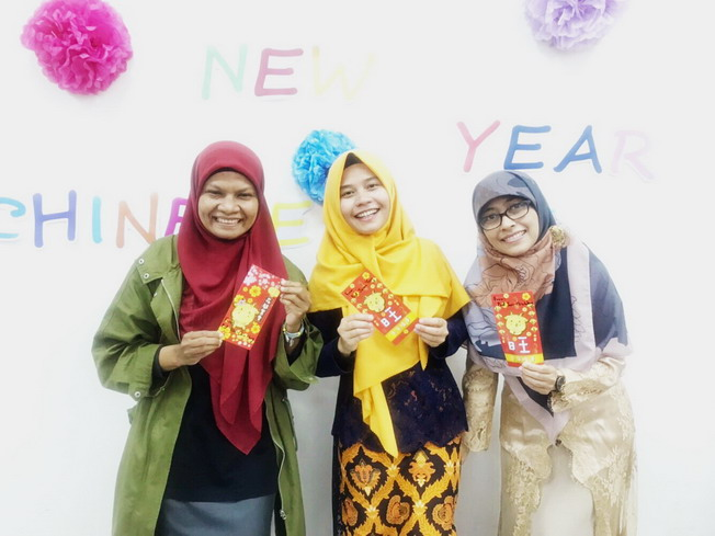 The Indonesian students experienced Chinese New Year celebrations in Taiwan.