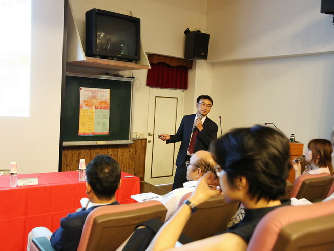 COA Chairperson Chen Chi-Chung briefed on the current status and future plans of the Farmers' Health Insurance Program.